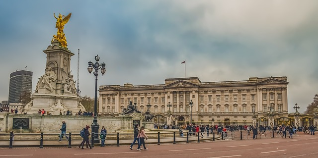 Buckingham-Palace-Best Places to Visit in UK