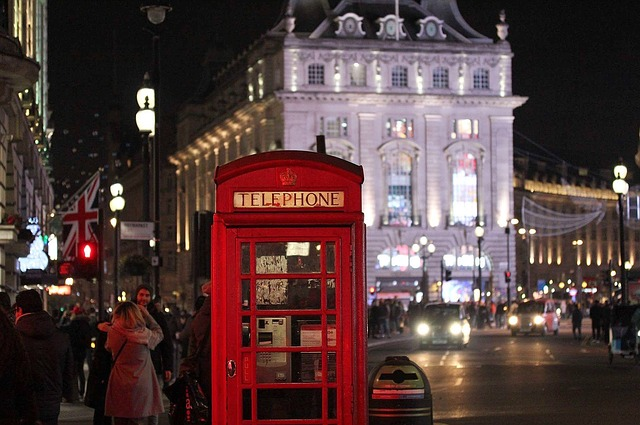 Piccadilly-circus-Best Places to Visit in UK