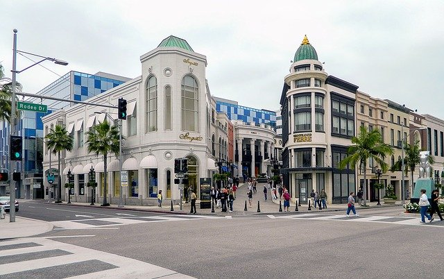 Rodeo Drive - Best Places to Visit in Los Angeles in 2021