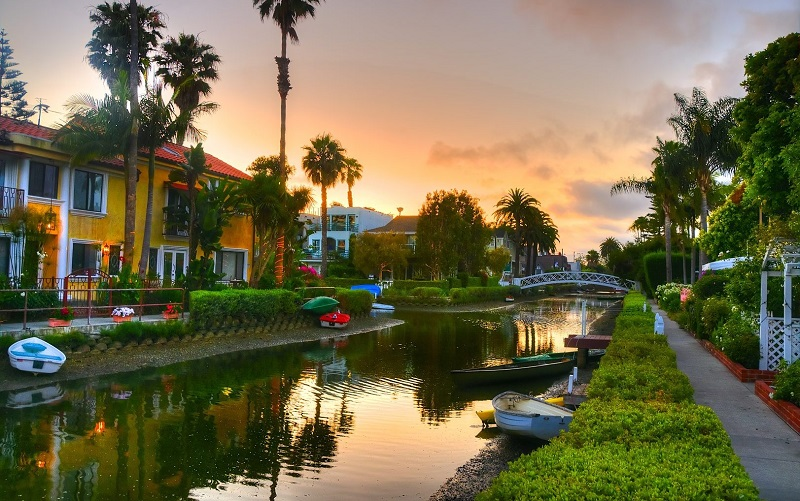Venice Canals - Best Places to Visit in Los Angeles in 2021